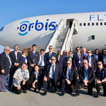 Flying Eye Hospital Crew Arrive in Jamaica
